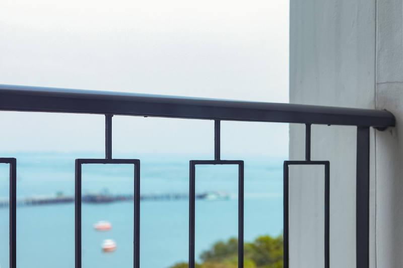 custom design iron railing